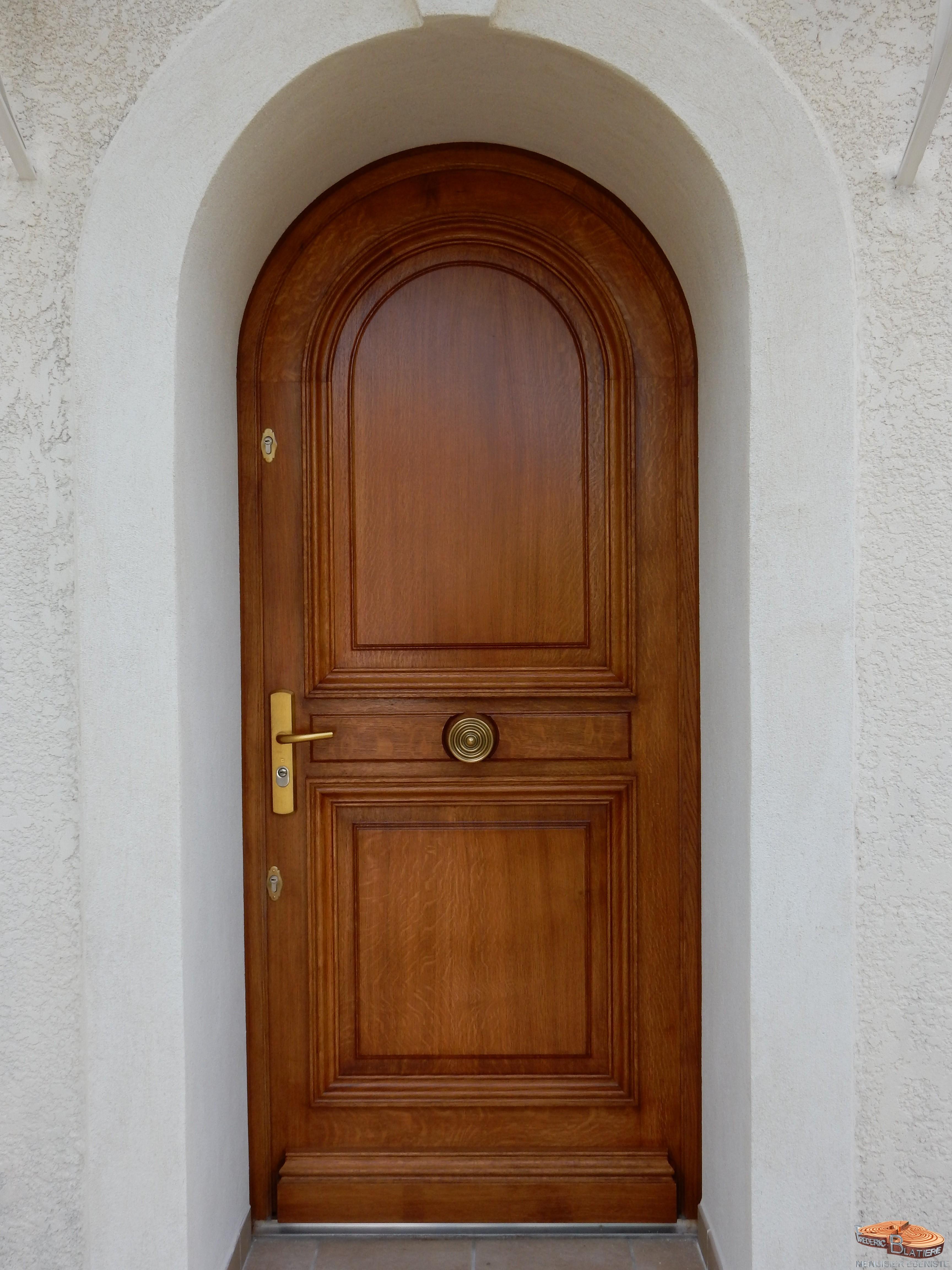 Porte De Lu0027église De Gallargues Le Montueux Avec Récupération Des Pentures.  Bois: Châtaignier.